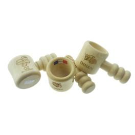 SA03 - Casse noix à vis en Aulne verni -5,5 x 5,5 x 12 c